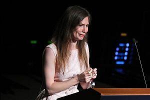Amanda Knox breaks down in tears in Italy