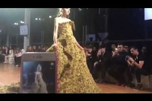 Singapore Fashion Week 2016: Guo Pei's gown on the runway