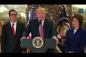 Trump fires controversial chief strategist Bannon