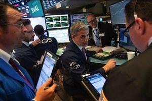 Trade war fears rattle stocks