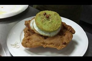 XXXLNasi Lemak Burger by Antoniette chef-owner Pang Kok Keong