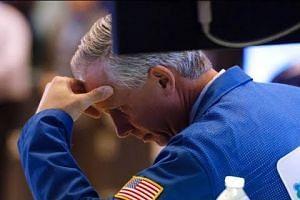 US stocks plunge on rising bond yields