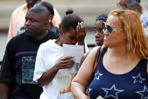 Fans line up to pay respects to Aretha Franklin