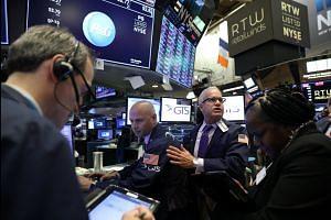 Wall Street sells off again