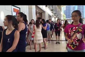 People queueing at the last Gong Cha stand, at MBS