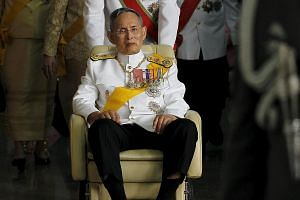 Thailand's King Bhumibol Adulyadej leaving Siriraj Hospital for the Grand Palace in Bangkok on Dec 5, 2011.