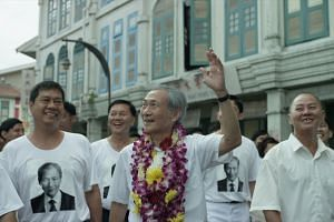 Lim Kay Tong plays Mr Lee Kuan Yew in 1965, but his speech scenes bear only a tenuous connection to the primary story.