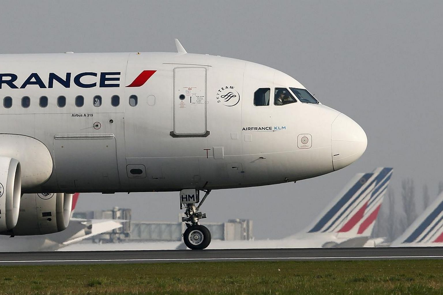An Air France aircraft taxies to the runway at the Charles-de-Gaulle airport, near Paris last month. -- PHOTO: REUTERS