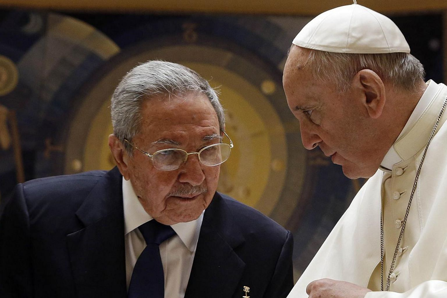 Pope Francis (right) talks with Cuban President Raul Castro during a private audience at the Vatican on May 10, 2015. Pope Francis, who helped broker a historic thaw between the United States and Cuba, held talks with Castro on Sunday ahead of the po