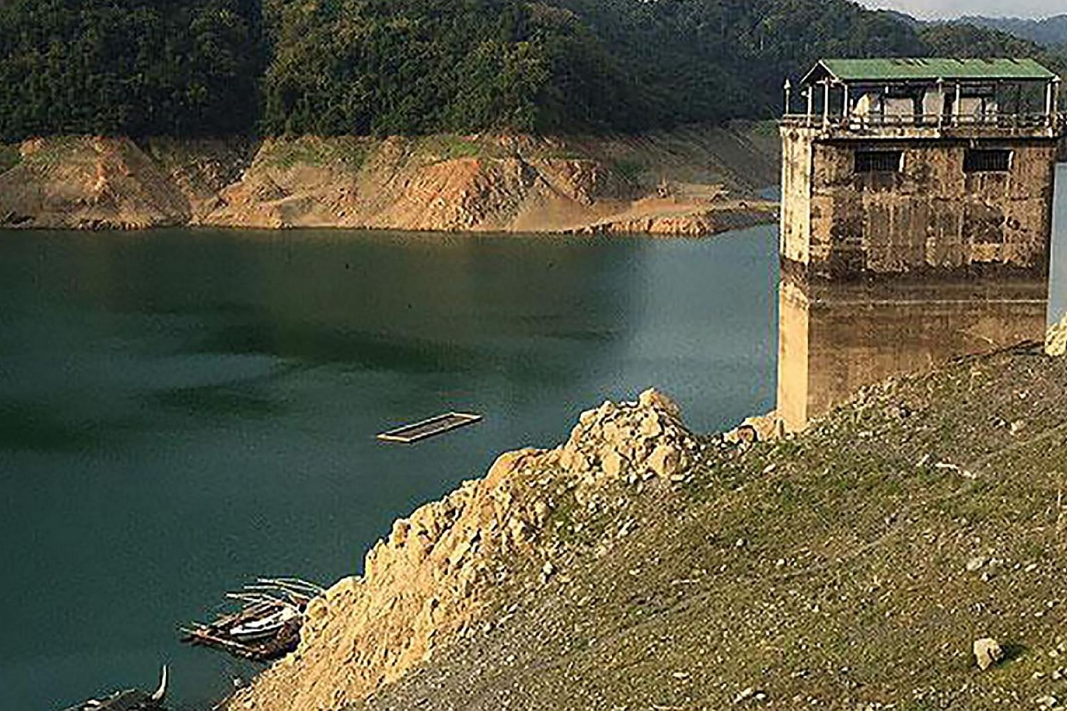 The water level is dropping in the Angat Dam reservoir, the main source of water for more than 21 million people in metropolitan Manila and seven adjacent provinces. Irrigation to farmlands and even tap water may be shut off if the level continues to