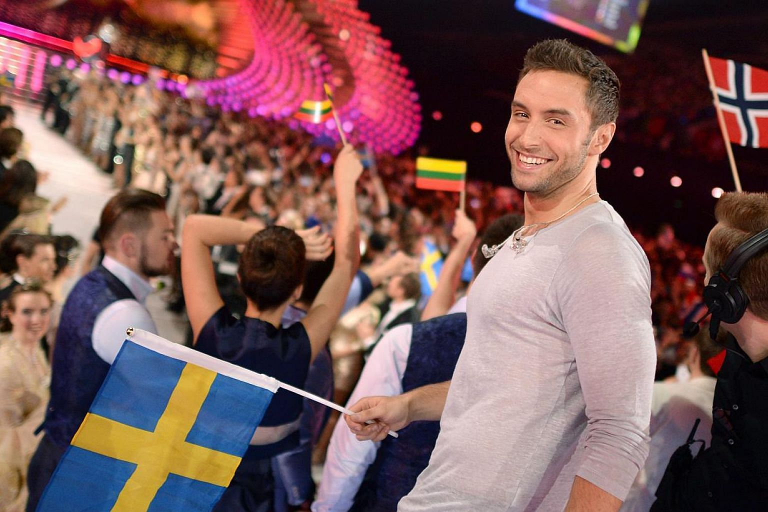 Mans Zelmerlow poses in the contestant's Greenroom during the second semi-final of the 60th annual Eurovision Song Contest (ESC) at the Wiener Stadthalle in Vienna, Austria, on May 21, 2015. -- PHOTO: EPA