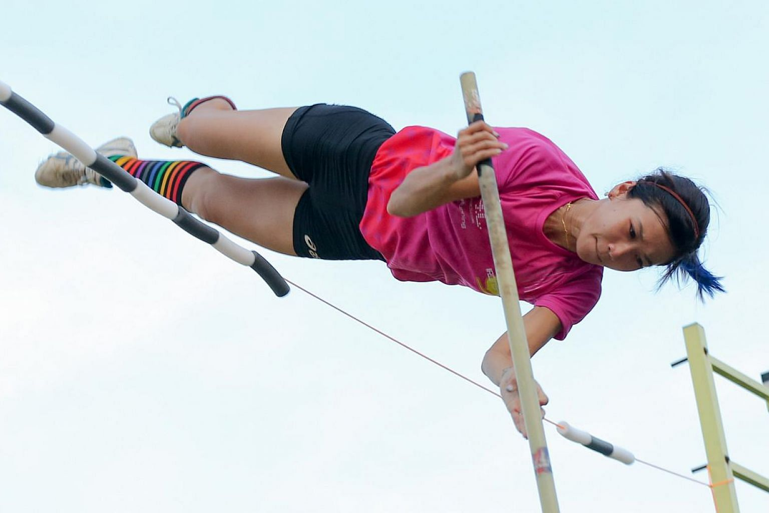 Rachel Yang won Singapore's first ever women's pole vault medal at the SEA Games on Thursday afternoon, clearing 3.90m to take silver at the National Stadium. -- ST PHOTO: ONG WEE JIN