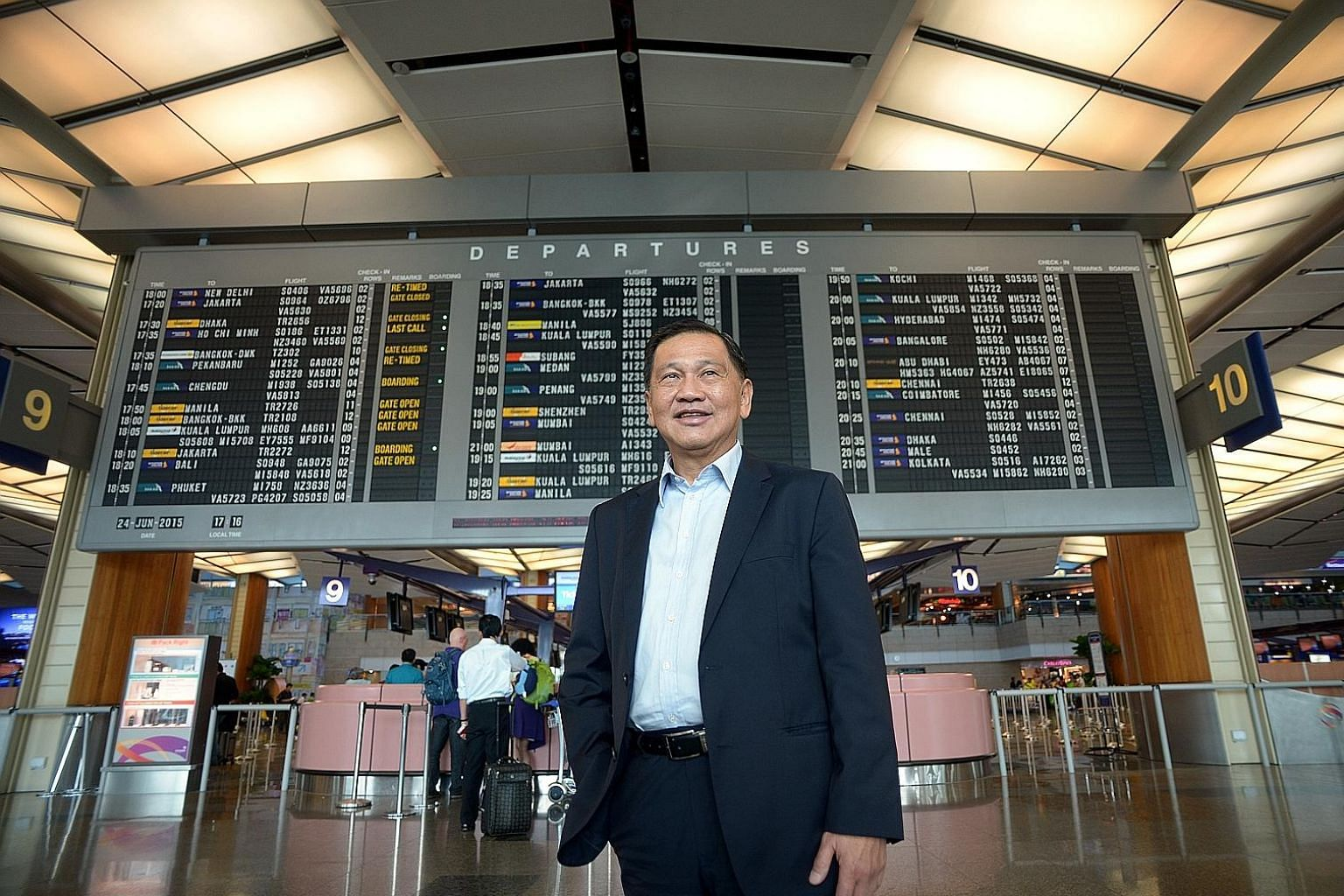 """Given the scale of the Terminal 5 project, who will foot the final bill is still """"a big discussion"""", says Changi Airport Group chairman Liew Mun Leong. He suggested that a possible model was for the Government to own the assets and for CAG to run it."""