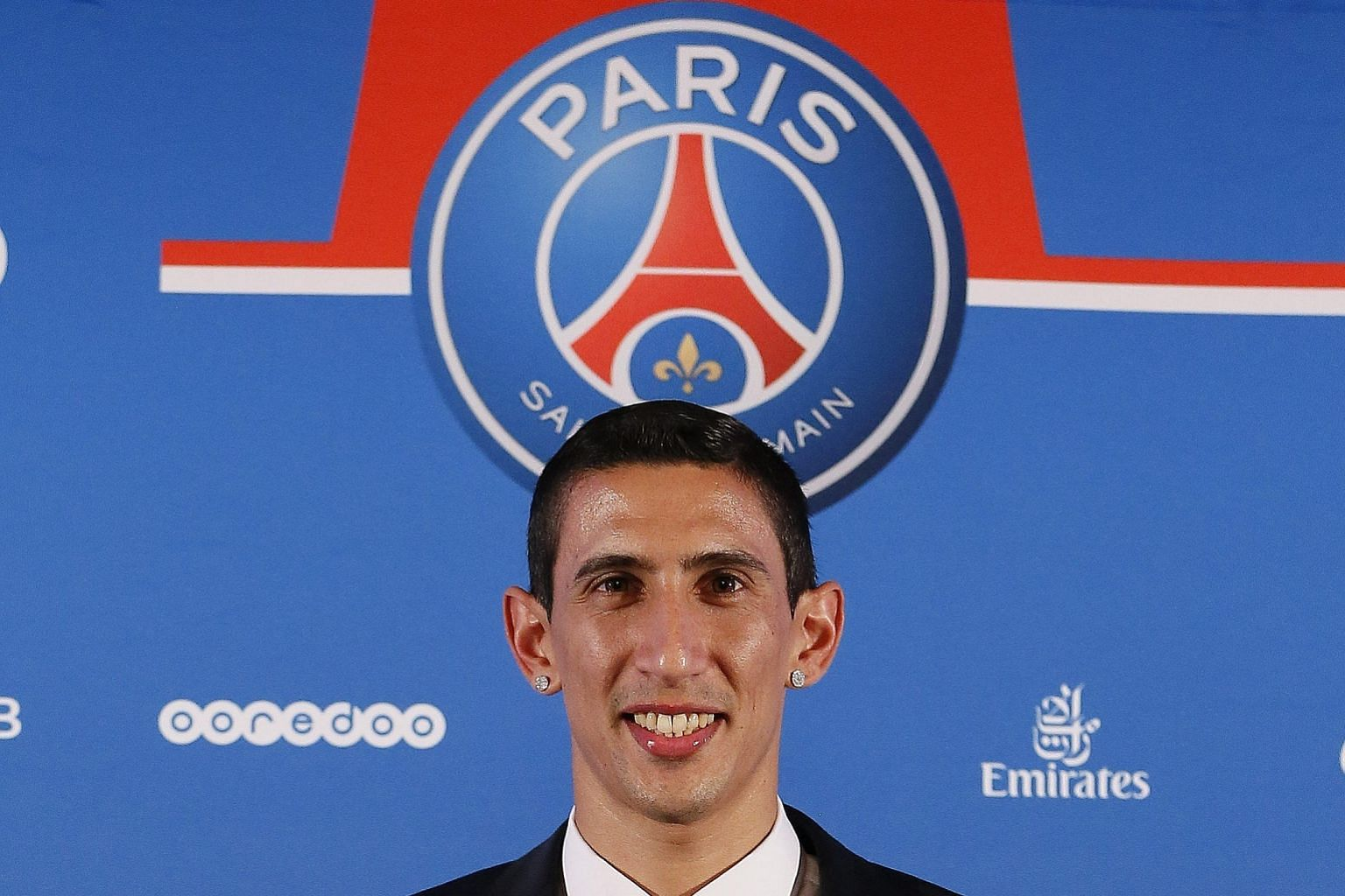 Angel di Maria should settle down well in Paris with the help of countrymen Ezequiel Lavezzi and Javier Pastore.