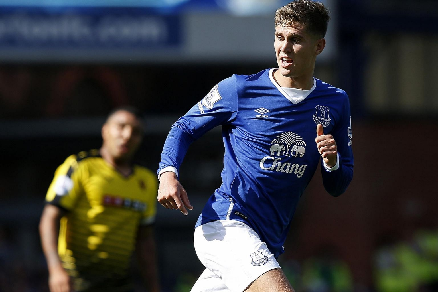 Even as Chelsea continue to lodge higher offers in a bid to acquire defender John Stones, he remains unfazed and has continued to give his all in games for Everton. Previous Toffees manager David Moyes recalls being impressed by the player's composur