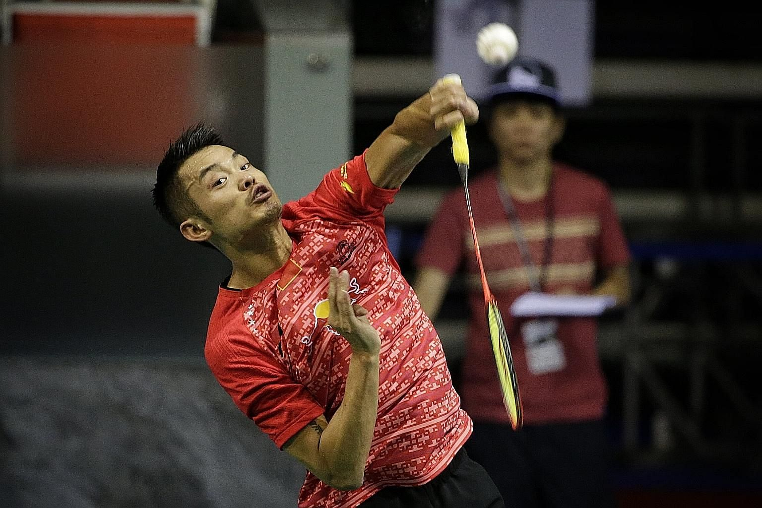China's Lin Dan, who beat Indonesian Ihsan Maulana Mustofa in his first appearance in Singapore in five years, felt that conditions were not as draughty as before, unlike compatriot Chen Long, who had trouble adjusting.