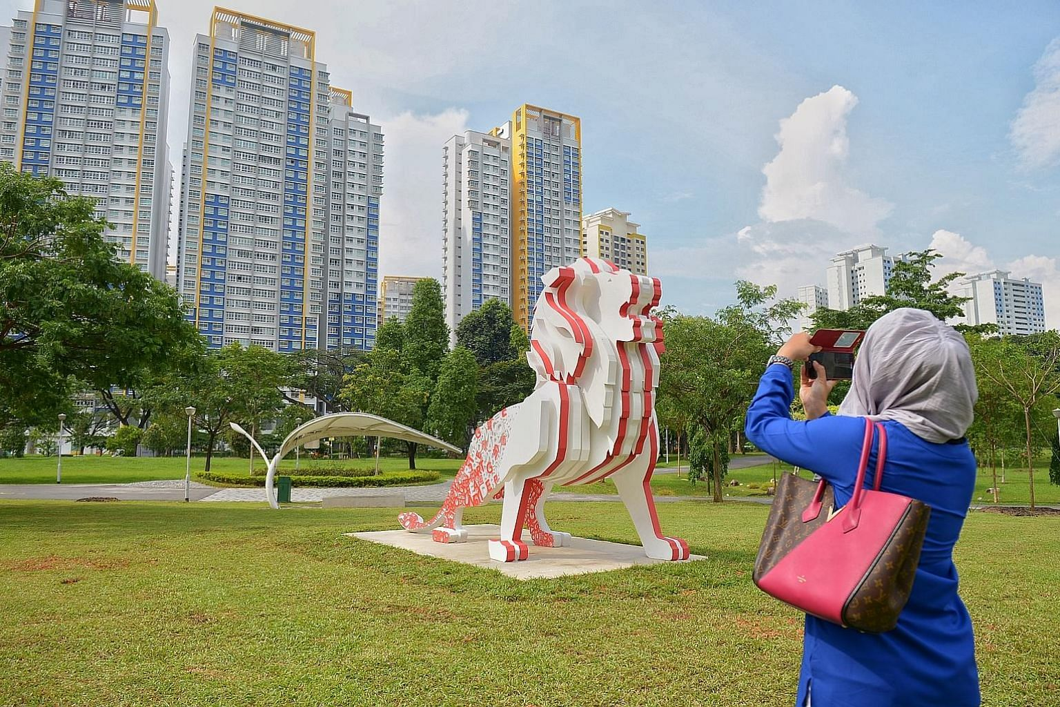 The iconic lion - a 4m-tall sculpture meant to represent Singapore - from The Future of Us exhibition has been installed at Bishan-Ang Mo Kio Park, where it will stand tall for the next two to three months.