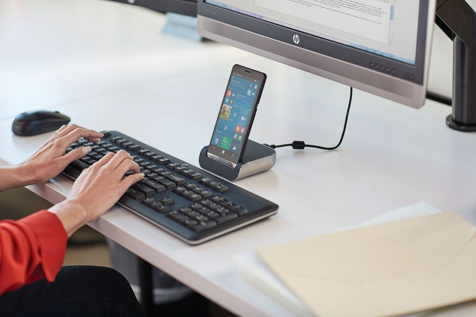 One of the accessories for the Elite x3 is the HP Desk Dock that connects to an external monitor and has additional USB ports and an Ethernet port.