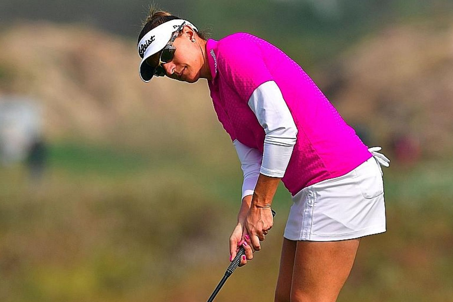 Brittany Lang putting on the sixth hole, where she made par, in the second round of the KEB Hana Bank Championship in Incheon. It has been a lean year for Americans, with only Lang and Lexi Thompson winning.