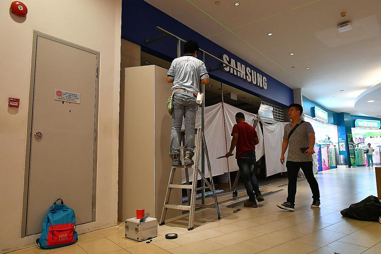 The fire at the Samsung Experience Store in basement one of AMK Hub yesterday involved contents measuring 1m by 2m in the shop's storeroom, said an SCDF spokesman.