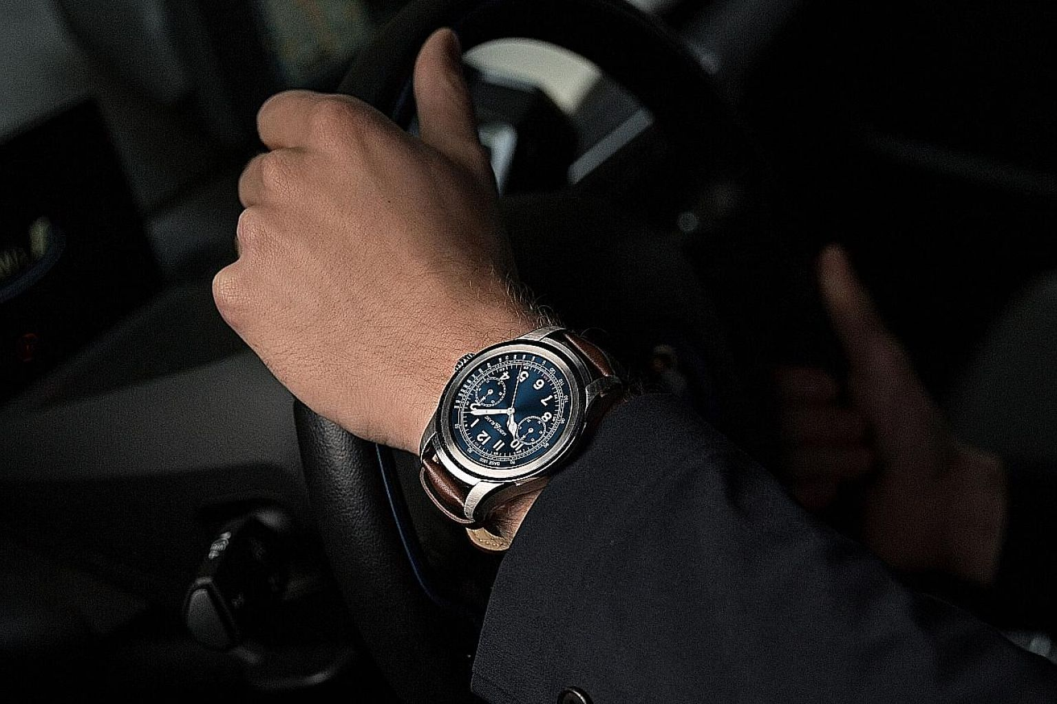 Montblanc's Summit is lightweight and comfortable to wear and its display looks sharp with nice details.