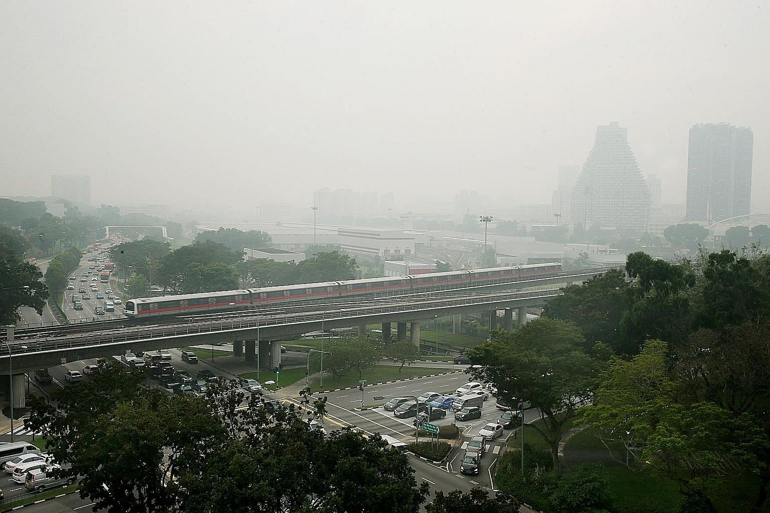 Hazy conditions in Bishan at 7am yesterday. The 24-hour PSI reached a high of 95 in southern Singapore at 8am and stayed in the moderate range across the island for the rest of the day.