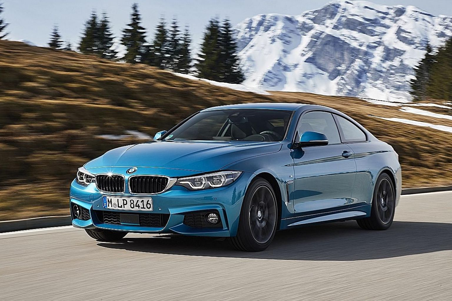 BMW's signature six-cylinder petrol power plant and eight-speed automatic gearbox provide the 440i Coupe with a sonorous and smooth drive.
