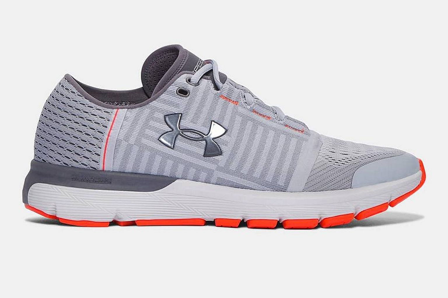 The Under Armour Speedform Gemini 3's embedded sockliner gives plenty of comfort. You don't need to wear socks with the shoes.