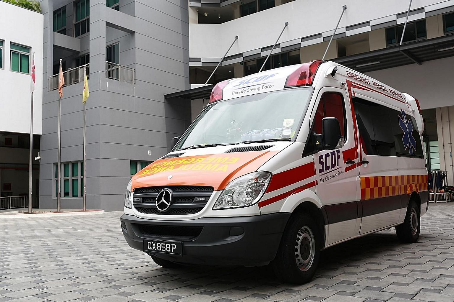 A pilot starting in September will involve 12 SAF medics who will work closely with SCDF ambulance personnel to respond to civilian medical emergencies.