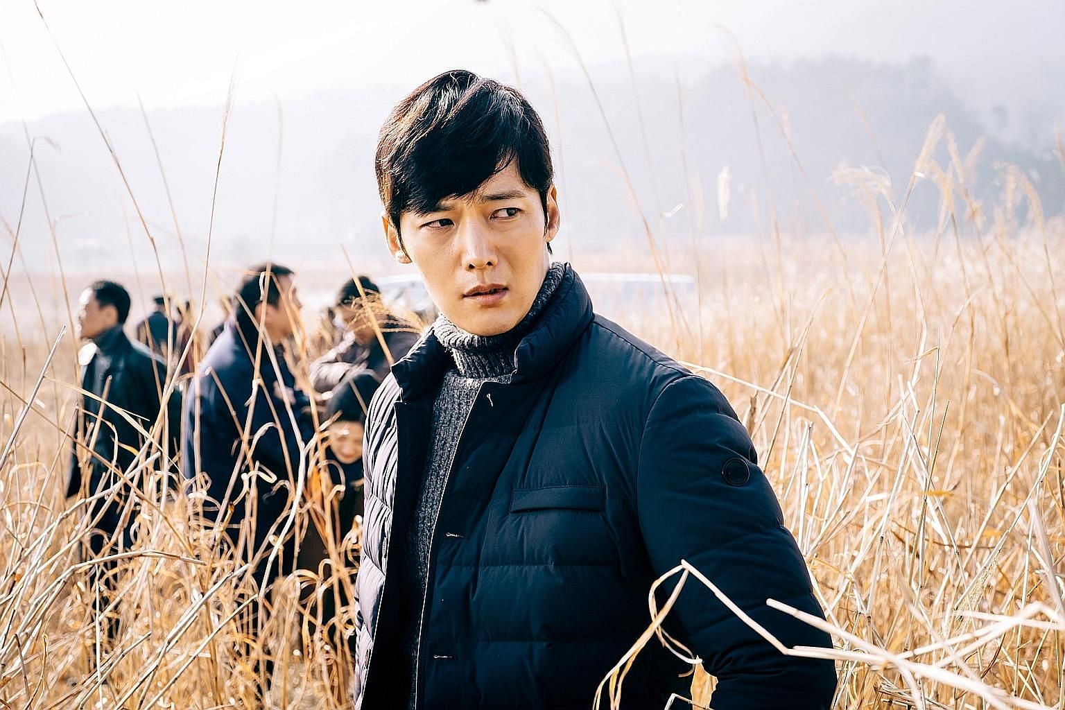 Choi Jin Hyuk in Tunnel (above) and Chen Hanwei in The Lead (left).