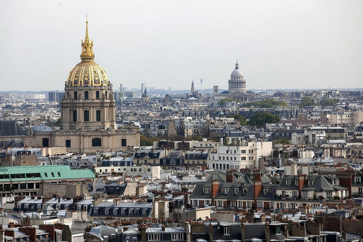 Paris roofscape. In European cities, getting permission to install a solar photovoltaic roof is hard because of aesthetic landscape constraints. An Italian company hopes to change that.