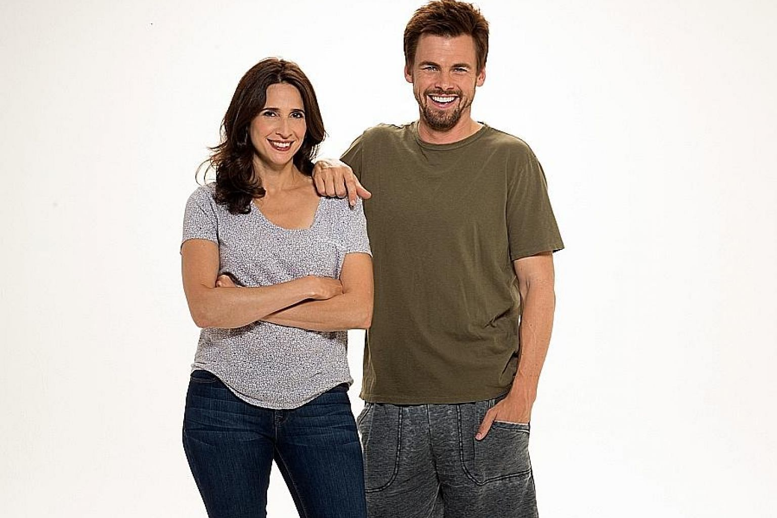 (Above) Michaela Watkins and Tommy Dewey in Casual.