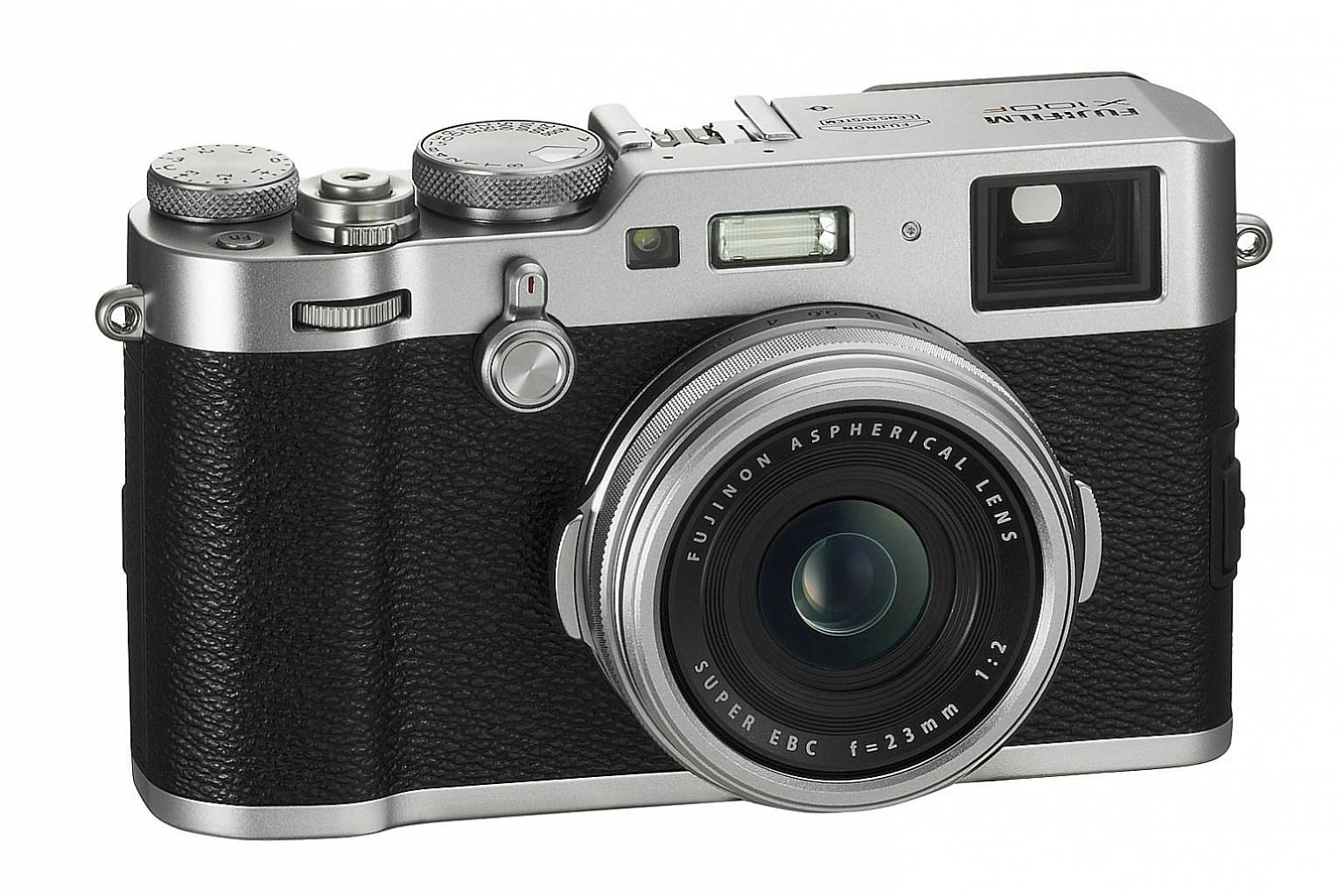 For photographers who have used a rangefinder or manual camera before, the handling of the Fujifilm X100F will feel just as superb.