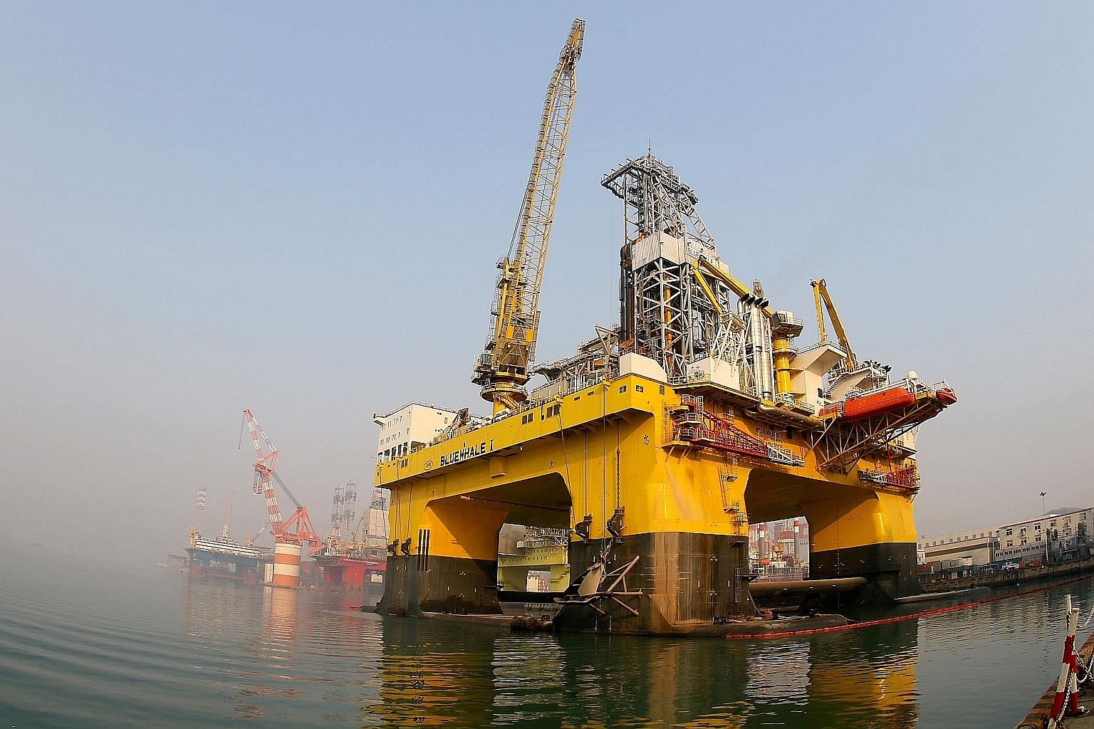A semi-submersible drilling platform off Yantai in Shandong province. China says it expects to start commercial production of gas hydrate around 2030.