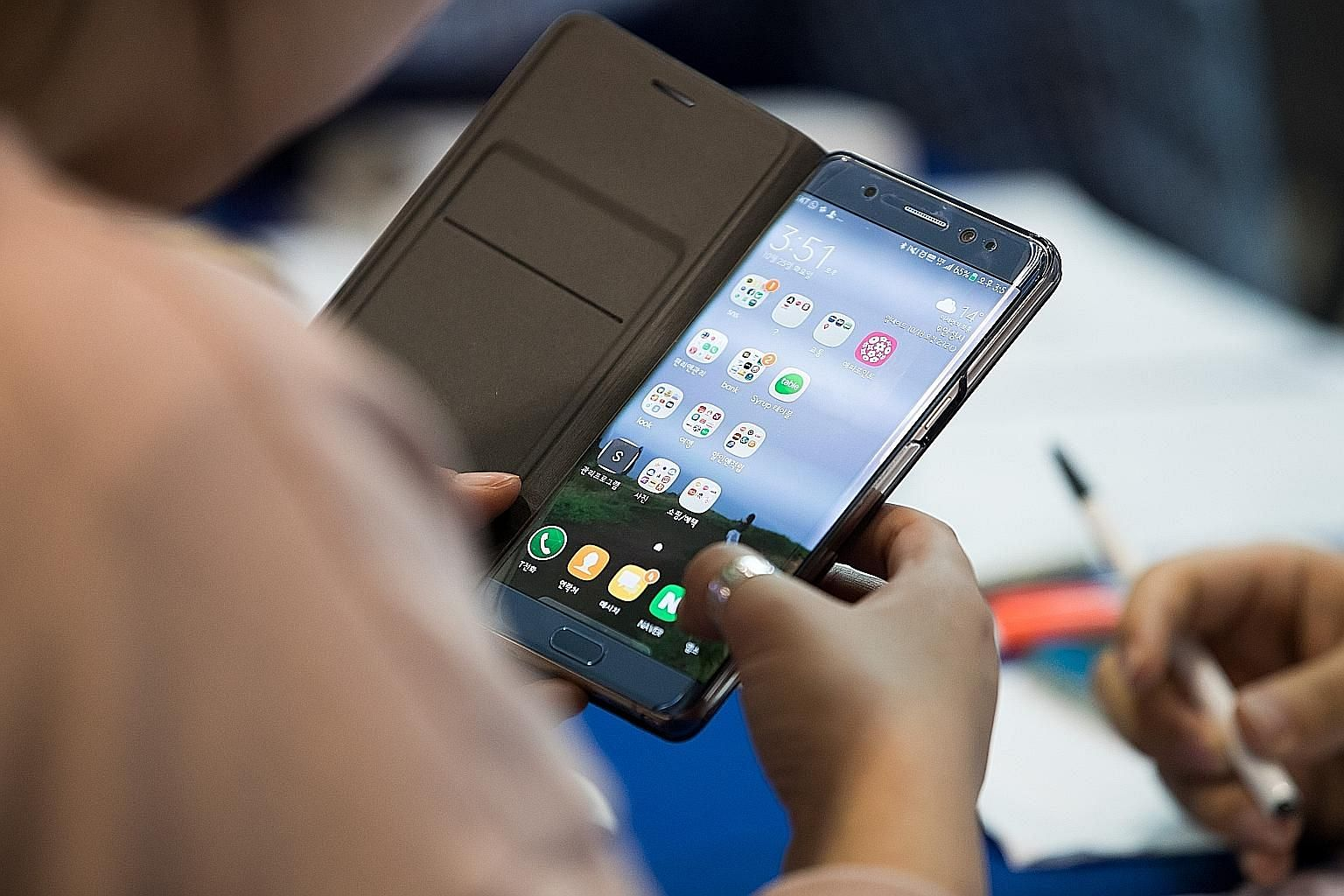Not all cases for smartphones are made equal. Some merely prevent scratches, while the protection provided by others can meet rigorous military standards.