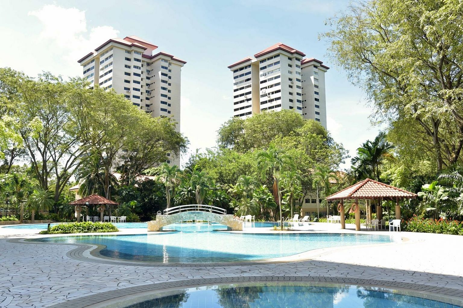Normanton Park is a 488-unit project near Kent Ridge Park. Exclusive marketing agent Knight Frank Singapore's Ian Loh noted that there has not been any new high-rise residential development launched within a 1.5km radius in the last 15 years, leading