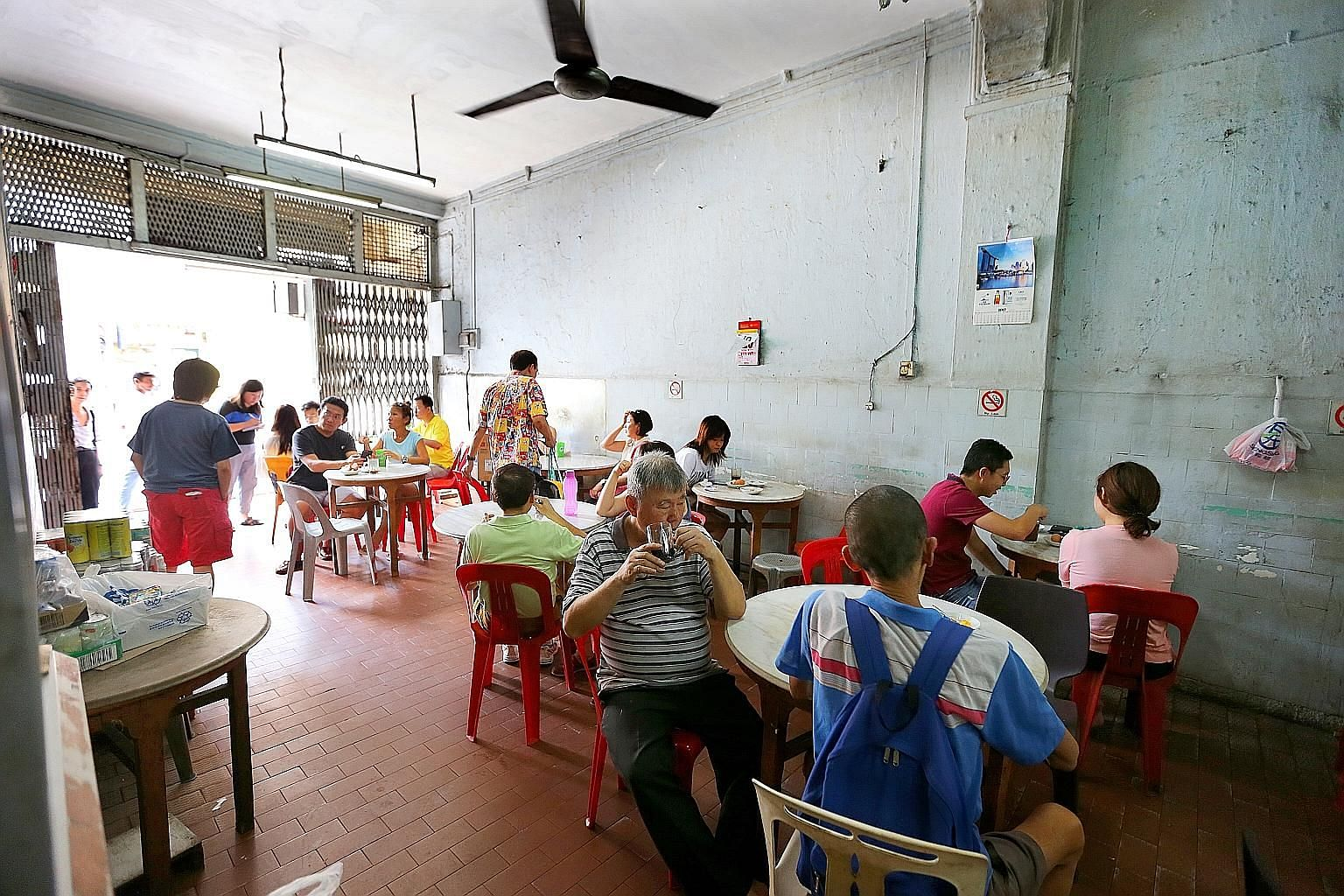 They came from as far as Jurong. Whether regular patrons or first-timers, customers have been streaming into Hup Lee since it was announced last week that the coffee shop would be closing for good. One of the last few old-school coffee shops in Singa
