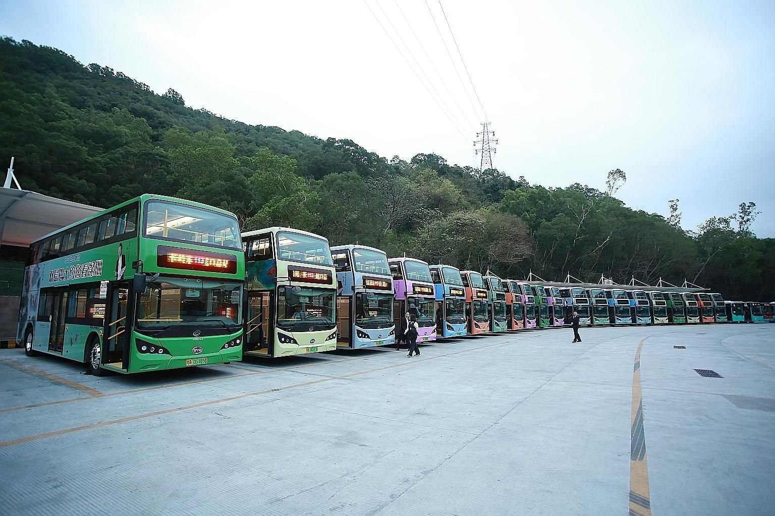 Apart from public buses, Shenzhen Bus Group's business covers taxis, limousine and car rental services, bus advertising services, property development and management, new energy, big data and financing. It has a fleet of some 11,000 vehicles.