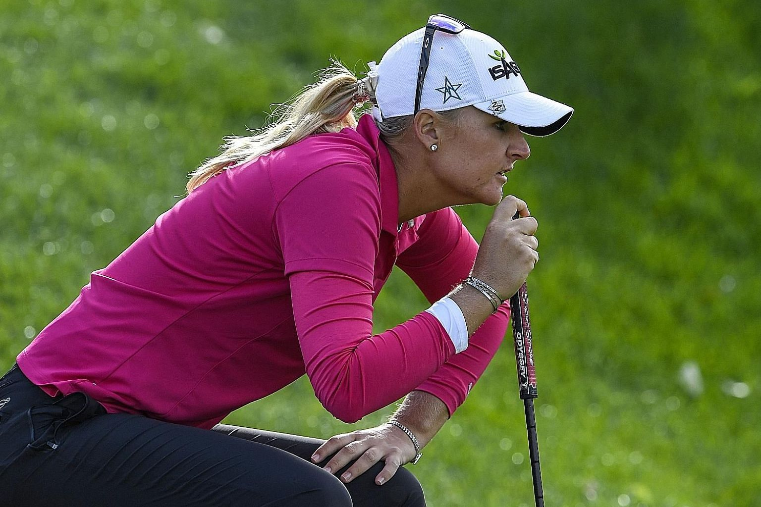 Sweden's Anna Nordqvist clinched her second Major win with victory at the Evian Championship yesterday, coming from five strokes back to take the title.
