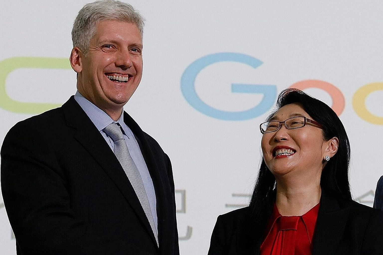 Google hardware executive Rick Osterloh with HTC chief executive Cher Wang at a news conference in Taipei yesterday to announce the search giant's acquisition of HTC's Pixel engineering and design teams for US$1.1 billion (S$1.5 billion).