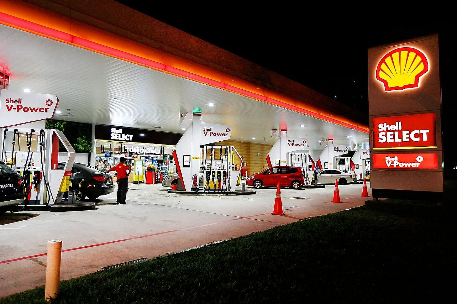 7-Eleven has stores in Shell petrol stations across the island under its partnership with the oil company, but that arrangement ends this year. Shell intends to run its own convenience stores within the stations and the rebranding exercise has alread