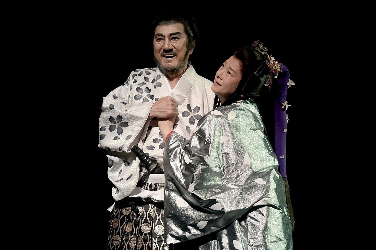 Masachika Ichimura as Macbeth and Yuko Tanaka as Lady Macbeth. (From far Left) Kyozo Nakamura, Eiichi Seike and Yamato Kamiyama as the three witches.