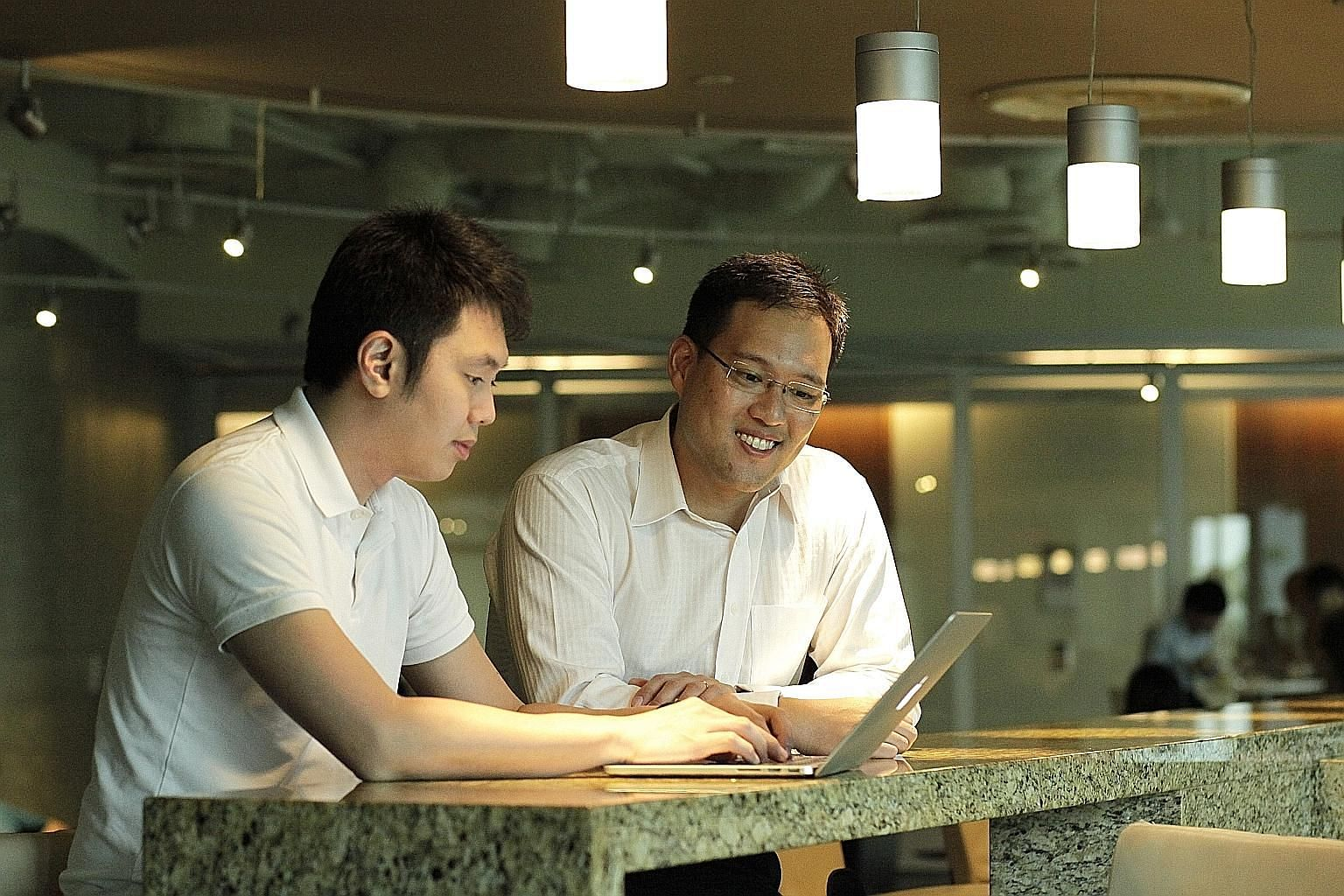 AdvocAid co-founders Tan En (far left) and Kenneth Goh. From calling up stakeholders such as hospitals to interviewing, filming and editing the profiles, AdvocAid takes care of each step of shaping a narrative to allow beneficiaries and donors the sm