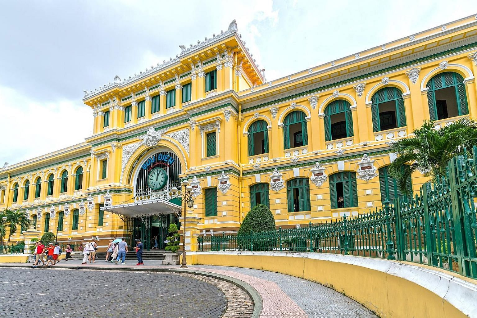 The Saigon Central Post Office is beautifully preserved and a lovely blend of Western architectural styles with Asian decorations.