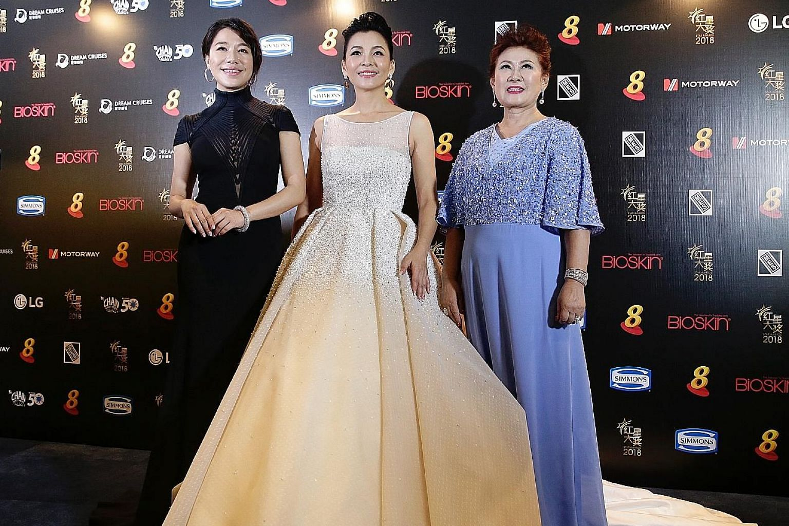 (from left) Belinda Lee, Wendy Zeng Xiao Ying and Jin Yinji, who was named one of the Top 10 Most Popular Female Artistes.