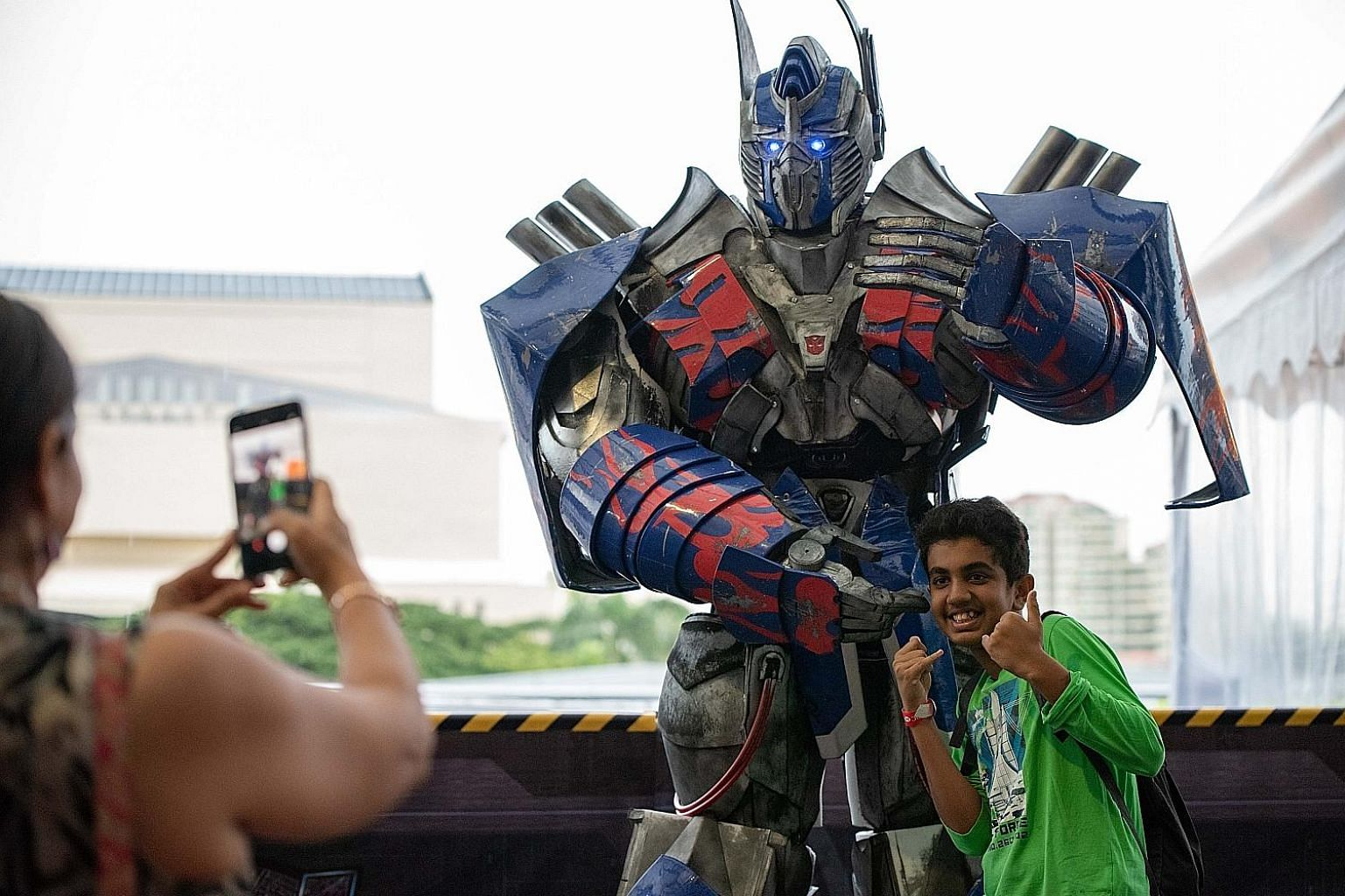 Ready to roll out! Catch The Transformers and other Hasbro stars at the HSBC Singapore Rugby 7s this weekend at the Singapore Sports Hub. The tournament is not only ruck and maul on the pitch but fun and games off it as well.