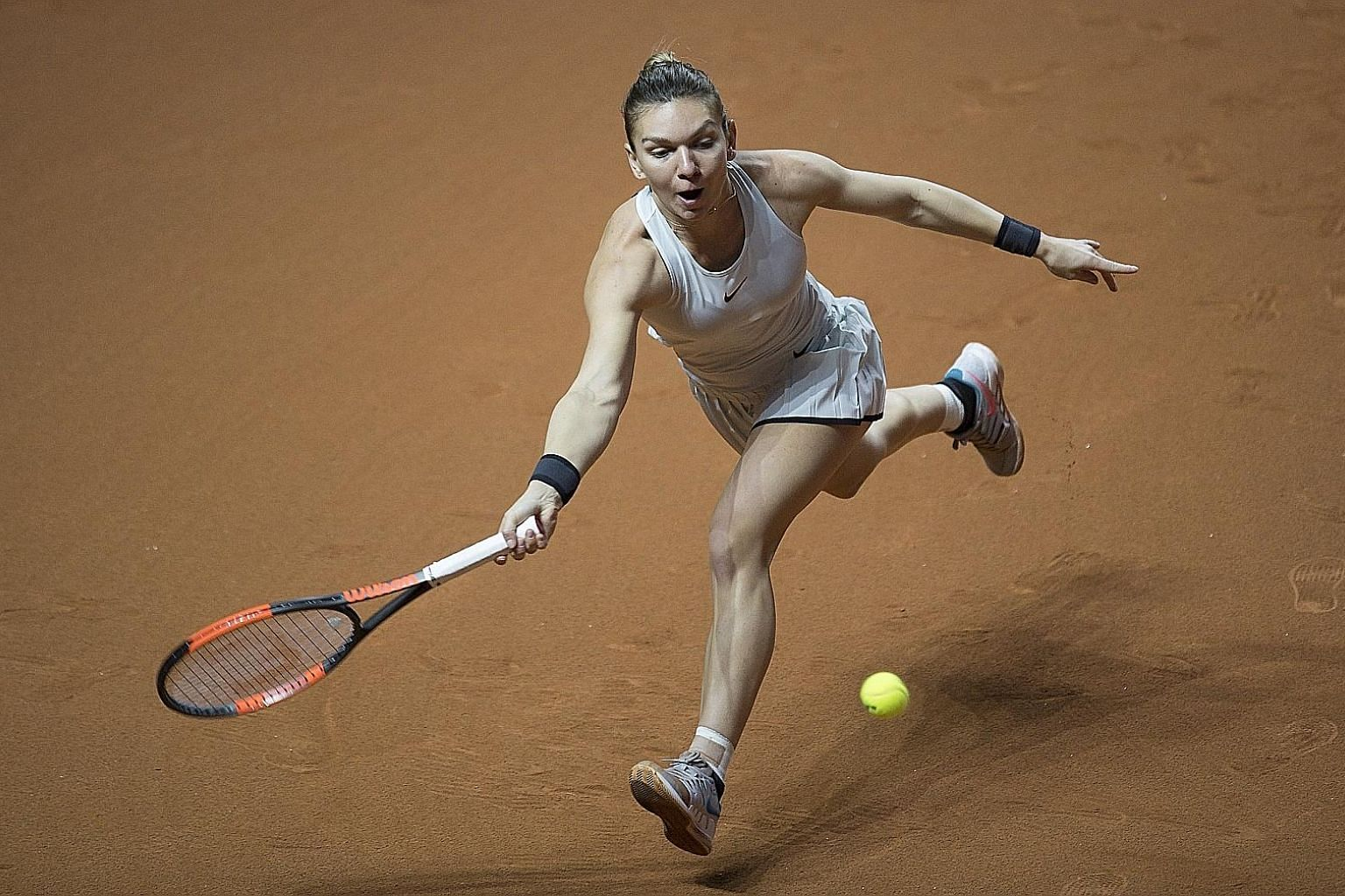 Romanian world No. 1 Simona Halep's tennis foundations were laid on clay and while not the strongest player, she adapts well to the surface.