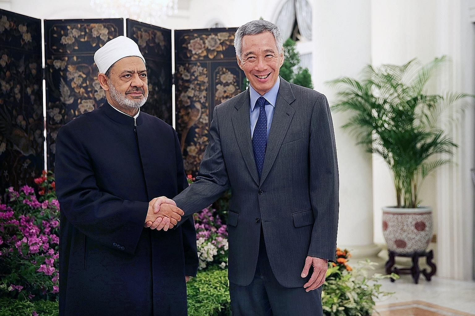 Prime Minister Lee Hsien Loong yesterday welcomed the Grand Imam of Egypt's renowned Al-Azhar University, Dr Ahmed Al Tayyeb, to Singapore and hosted him to dinner at the Istana. Dr Al Tayyeb, who is known for his work in forging greater understandin