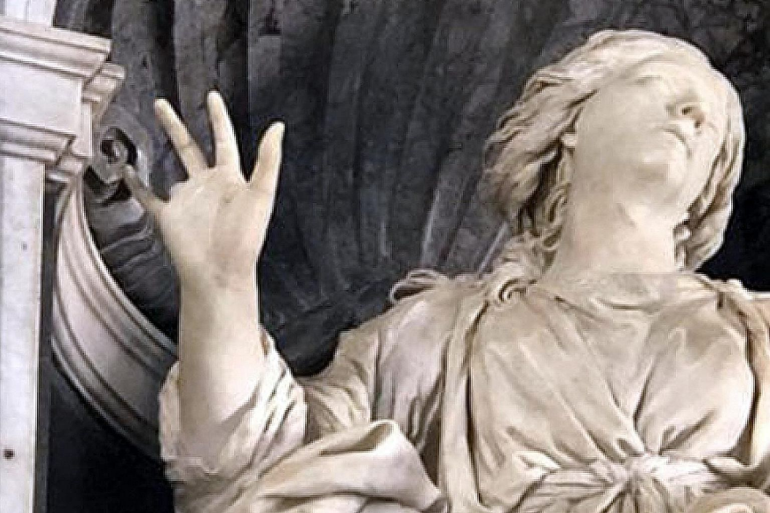 The ring finger of sculptor Gian Lorenzo Bernini's St Bibiana broke off when workers were returning the statue to its niche in Santa Bibiana church, after it was loaned to an exhibition.