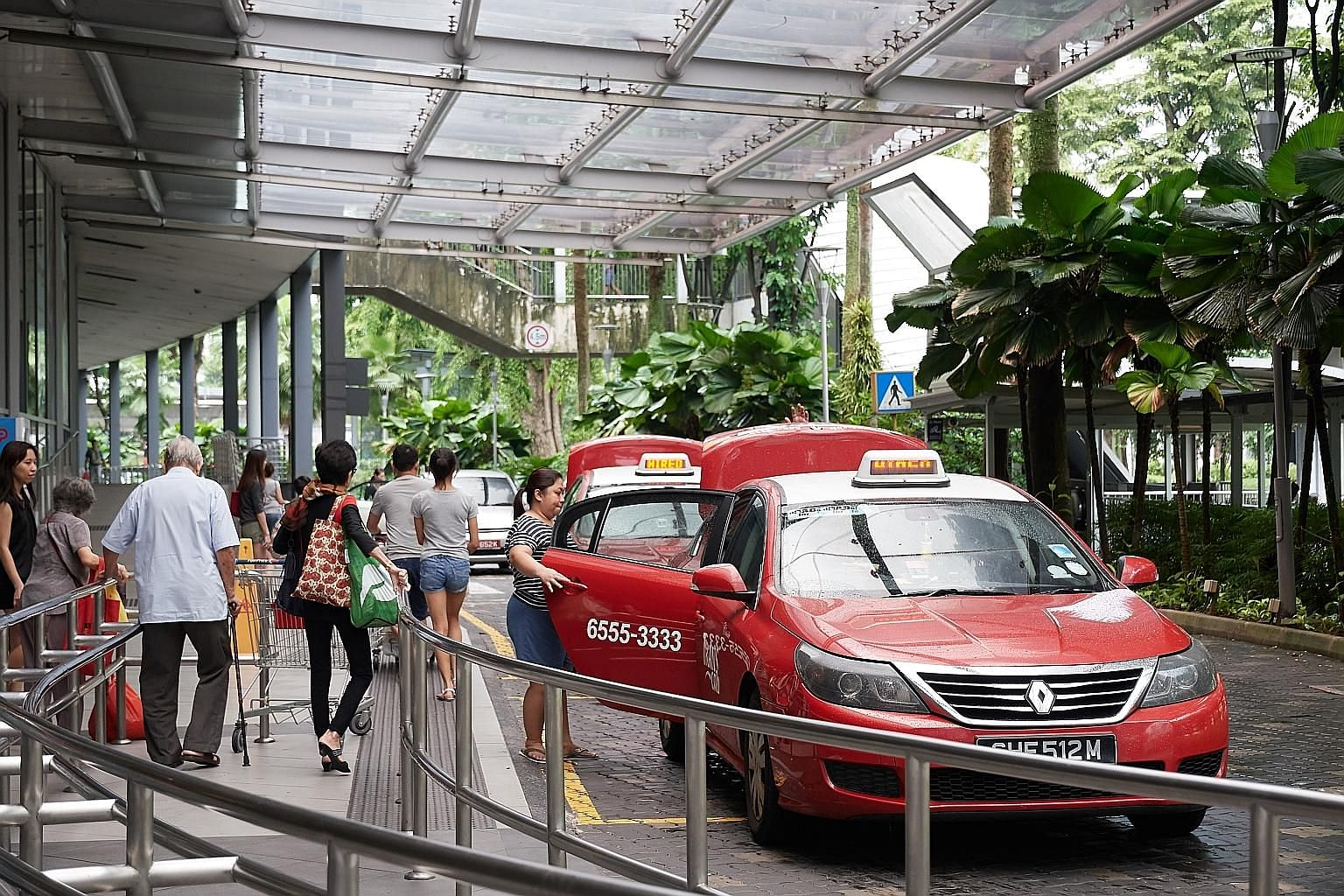 Figures provided to The Sunday Times by the Land Transport Authority show only 9 per cent of Singapore's taxi population was unhired in April, down from 12.5 per cent in January. Last year, the average unhired rate was 10.6 per cent.